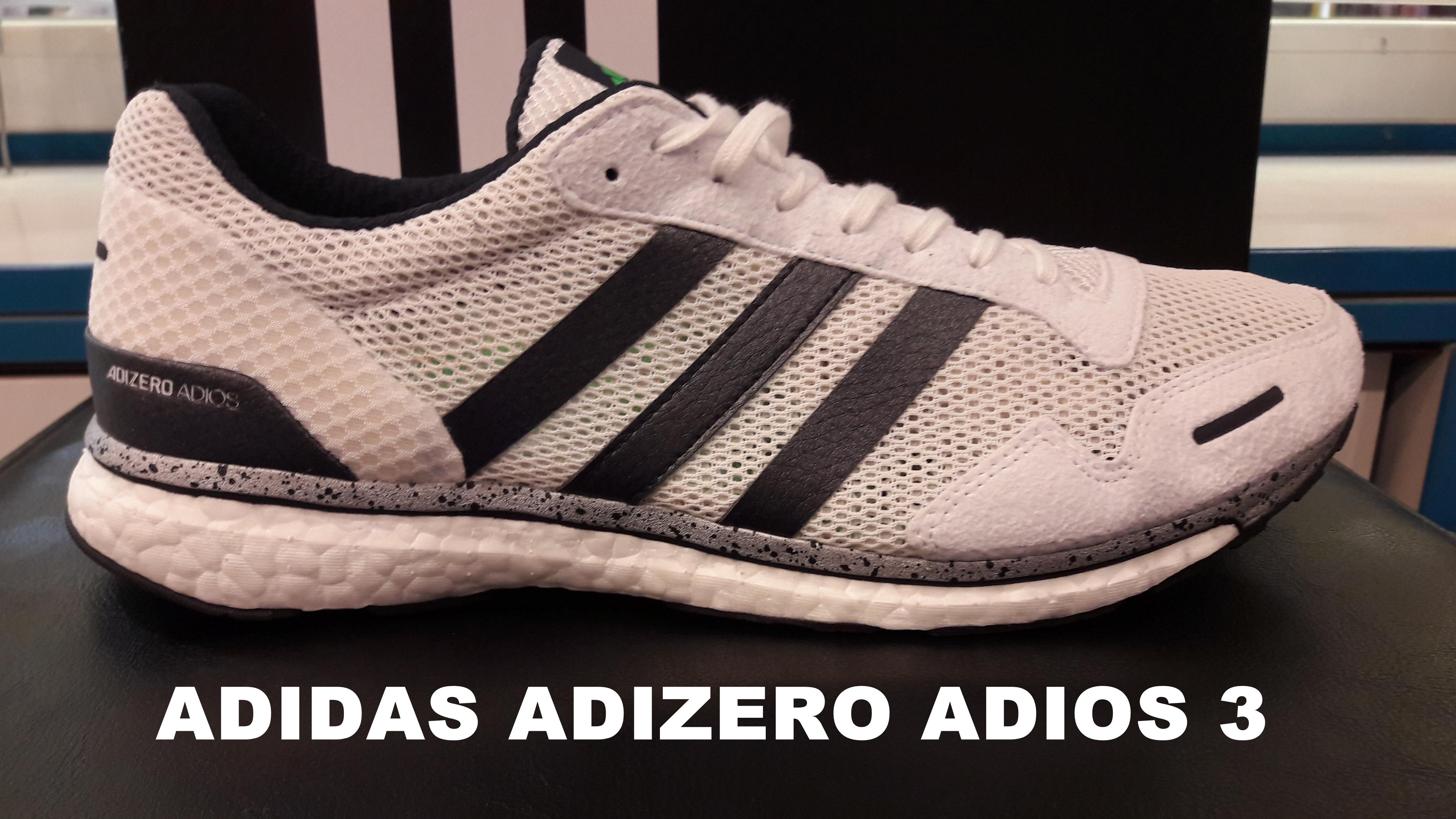 big sale 2e9cf 33034 La Adidas Adizero Adios 3 continúa extendiendo su reinado. A día de hoy,  todas las categorías de zapatillas de running tienen un nivel de  competencia que no ...